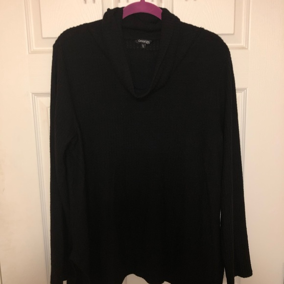 🌵NWOT Black cowl neck sweater